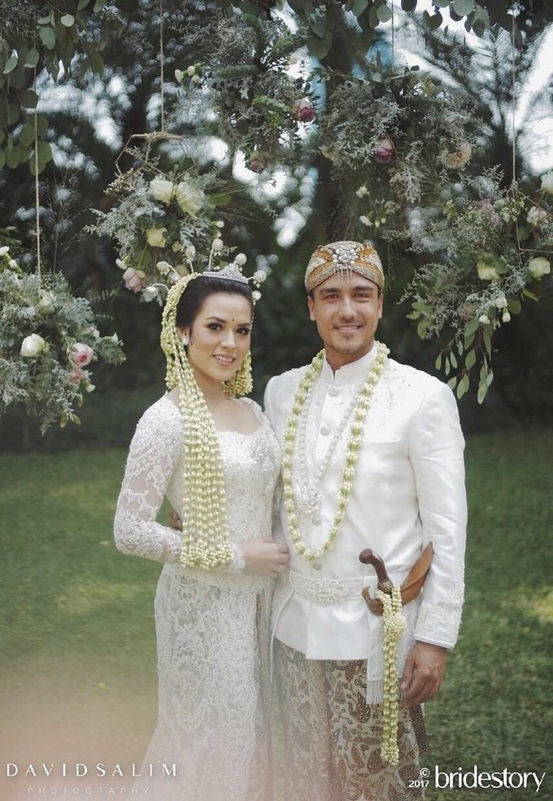 Sederhana dan Elegan! Ini Cincin Pernikahan Raisa - Hamish Daud