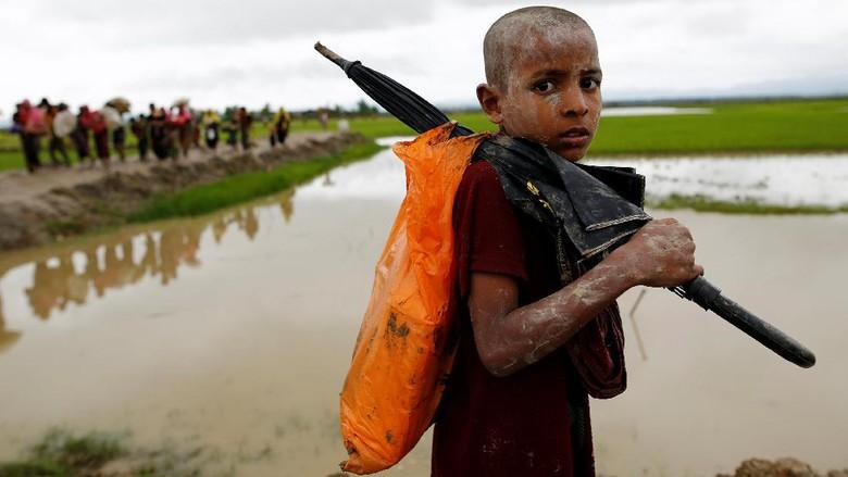 Kasihan, 1.100 Anak Rohingya Mengungsi Sendirian ke Bangladesh