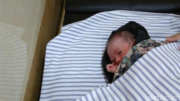 Tega Bayi Lucu Yang Baru Lahir Ini Dibuang Di Pos Ronda Di Yogya