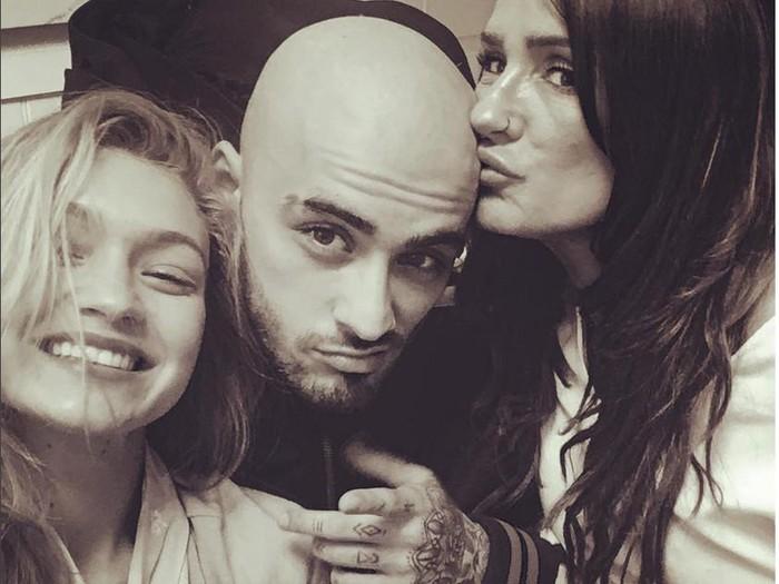 Zayn Malik membotakkan rambutnya karena rusak akibat keseringan dibleaching. Foto: Zayn Malik (Instagram)