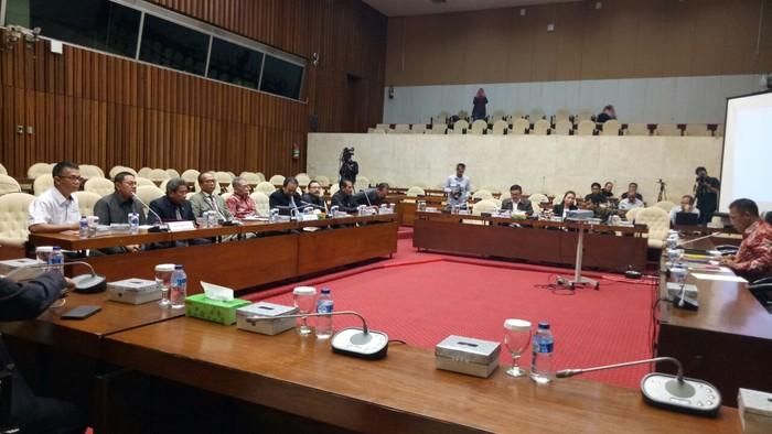 Salah satu momen rapat Pansus Angket KPK. Foto: Gibran Maulana Ibrahim/detikcom