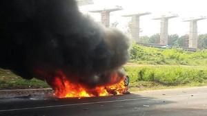 Mobil Terbakar karena Parfum Takkan Dijamin Asuransi