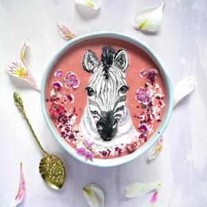 Gunakan Makanan Alami, Wanita Ini Buat Lukisan Indah Di Atas Smoothies Bowl!