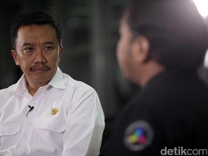 Menpora Imam Nahrawi blak-blakan di detikcom soal prestasi olahraga Indonesia yang begitu terpuruk (Muhammad Ridho/detikSport)