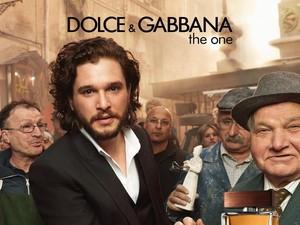 Tatapan Jon Snow dan Daenerys yang Bikin Meleleh di Iklan Dolce & Gabbana