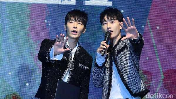 Gaya Super Junior D&E Hibur Fans di Konser KBEE 2017