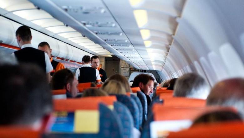 Penumpang Menyebalkan di Pesawat