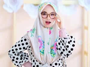 Foto: Gaya Hijab Syari & Stylish Putri Sulung Aa Gym, Ghaida Tsurayya