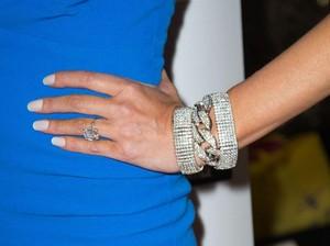 Viral Curhatan Wanita yang Dilamar Kekasih Pakai Cincin Bekas Mantan