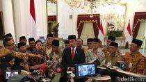 Teken Perpres Pendidikan, Jokowi: Senanglah Menatap ke Depan