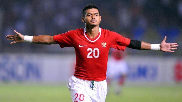 Bambang Pamungkas cetak quattrick di Piala AFF 2002.