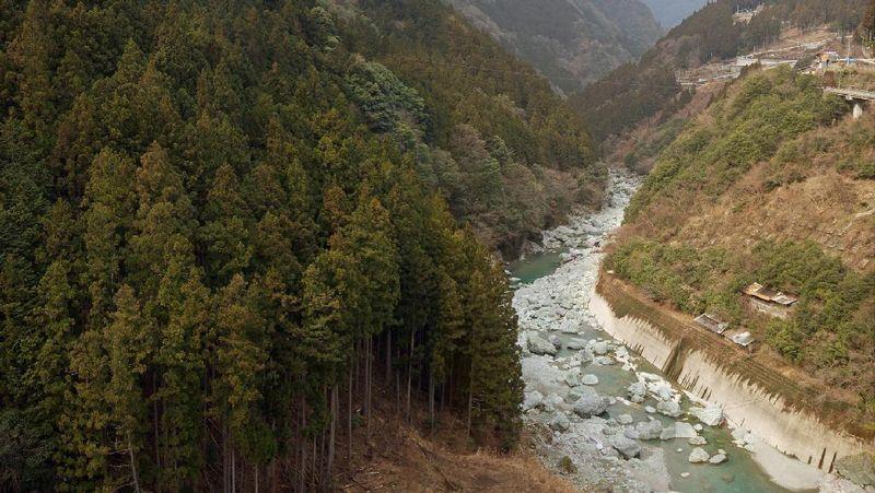 Shikoku memiliki alam yang super cantik. Tempat pertama yang harus kamu kunjungi adalah Iya Valley. Iya memiliki desa kecil yang berada di antara gunung (Thinkstock)