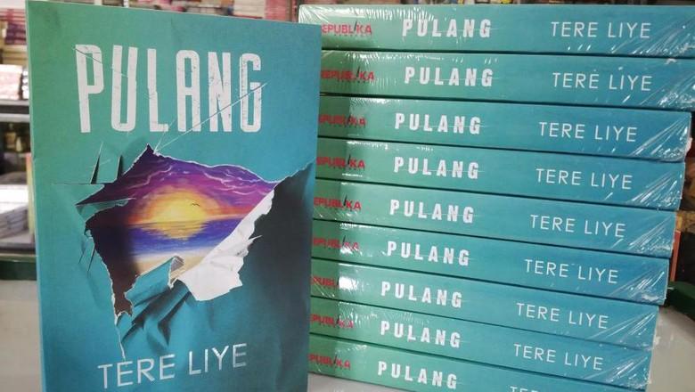 Heboh Pajak Penulis, Tere Liye Upload Sekuel Novel Pulang via Facebook