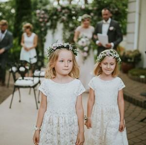 Foto: <i>Cute</i>!  Saat si Kecil Jadi <i>Bridesmaid</i>