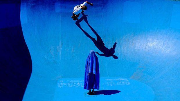 Fotografer Ini Raih Penghargaan karena Potret Wanita Pakai Burqa