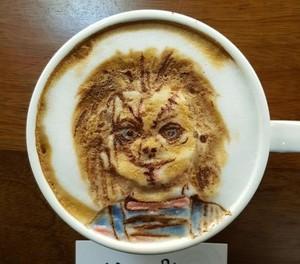 Hiii... Ada <i>Latte Art</i> Bentuk Boneka Chucky hingga Sadako!