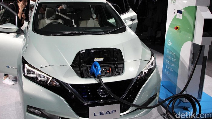 LEAF generasi sebelumnya adalah mobil listrik terlaris di dunia. Nissan pun berusaha mengulang kesuksesan tersebut dengan meluncurkan versi terbarunya.