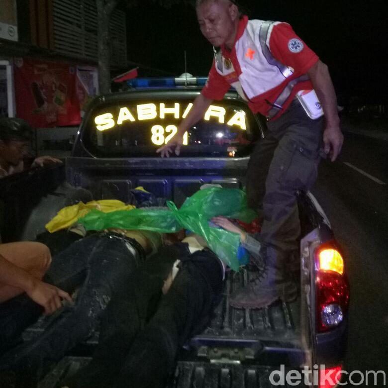 Panther Oleng Tabrak Dua Motor, 3 Orang Tewas dan 2 Luka