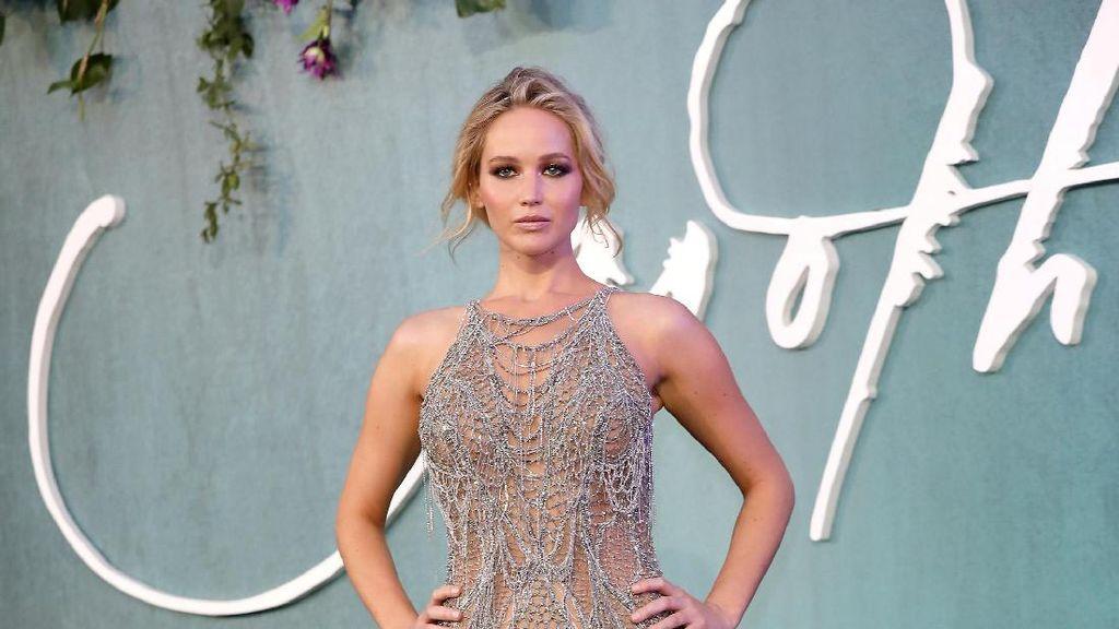 Jennifer Lawrence Bantah Punya Hubungan dengan Harvey Weinstein