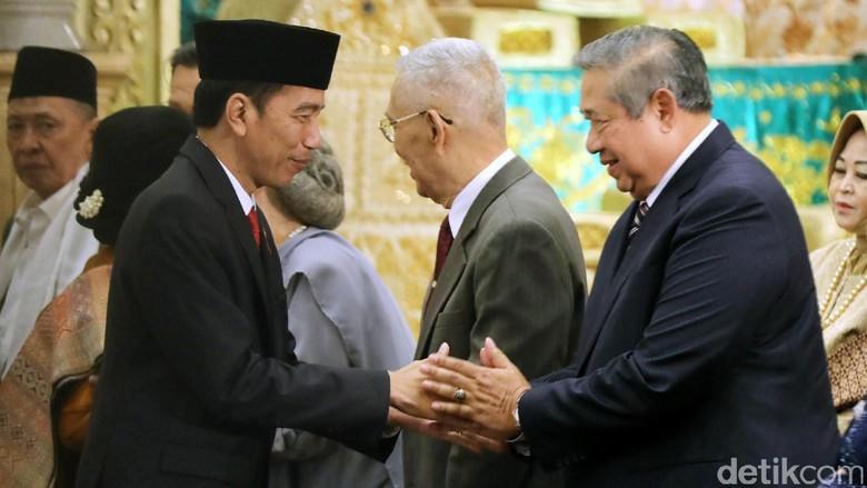 Foto: Jokowi dan SBY Bertemu di Pernikahan Putri OSO