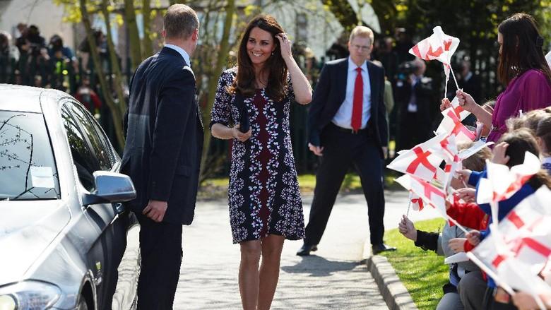 Hamil Anak Ketiga, Kate Middleton Makan Pedas dan Permen Terus