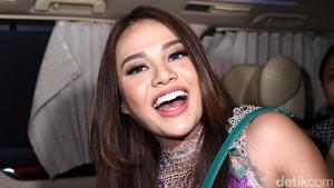 Pergi ke Toko Perhiasan sama Pacar, Aurel Hermansyah: Doakan Saja