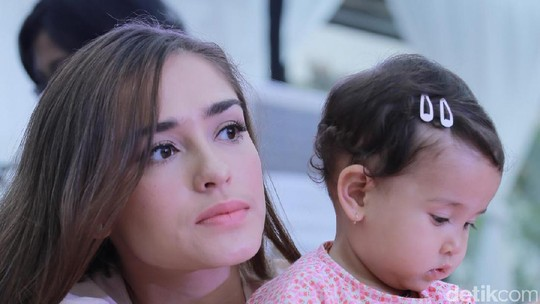 Dijamin Bikin Melek! Ini Deretan Mama Muda yang Cantik dan Seksi