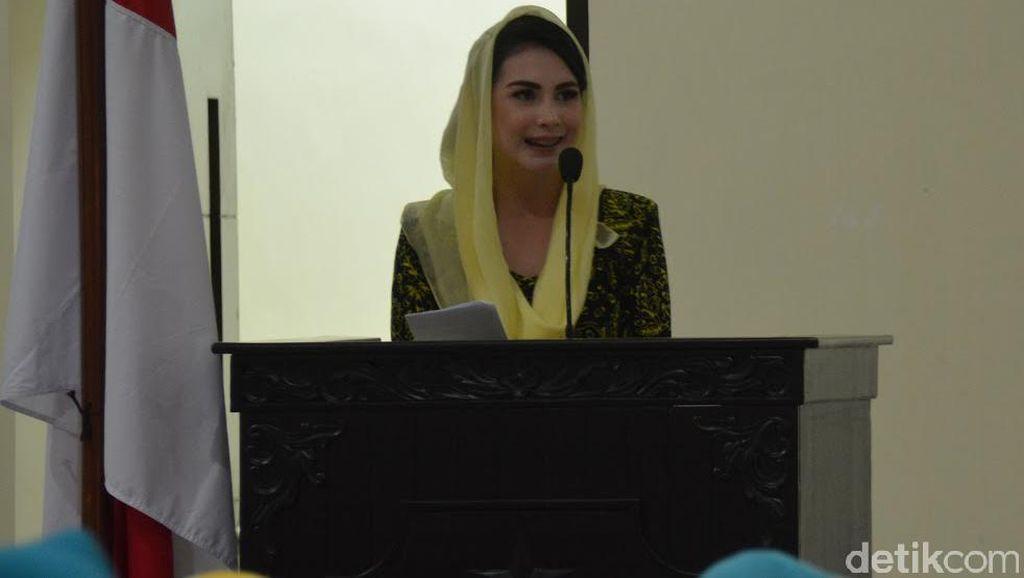 Ayah Meninggal Dunia, Arumi Bachsin: Ill Miss U!