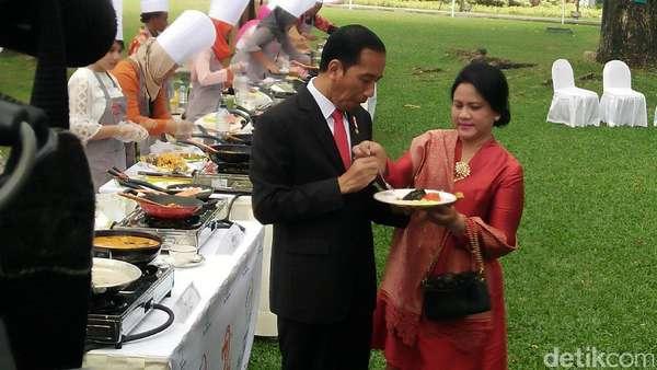5 Pelajaran Cinta dari Momen Mesra Jokowi dan Iriana yang Romantis