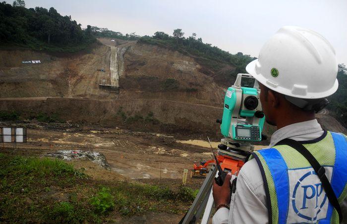 Dibangun sejak 2015, hingga akhir Agustus 2017, progres pembangunan bendungan ini mencapai 36,75%. (Dok. PT PP Tbk)