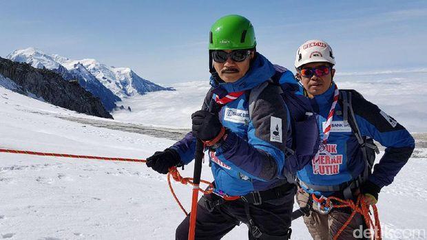Hebat! Pramuka Taklukkan 3 Gunung di Eropa