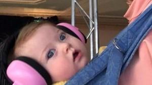 Cerita Bayi Ikut Ibunya Kerja Saat Gelaran Melbourne Fashion Week