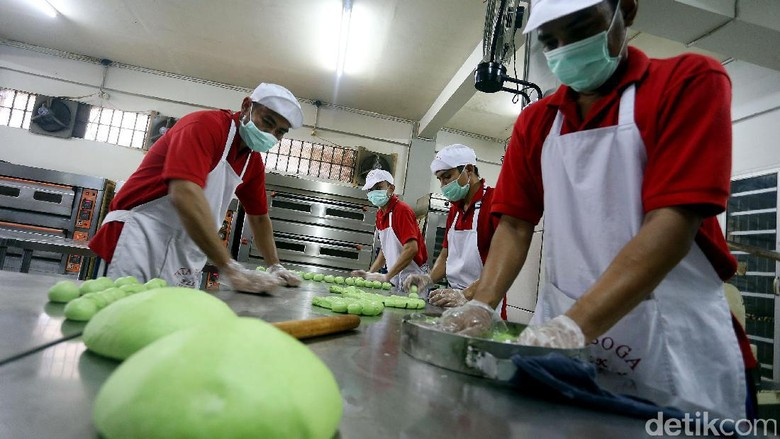 Keren! Begini Produksi Roti di Lapas Narkotika Jakarta