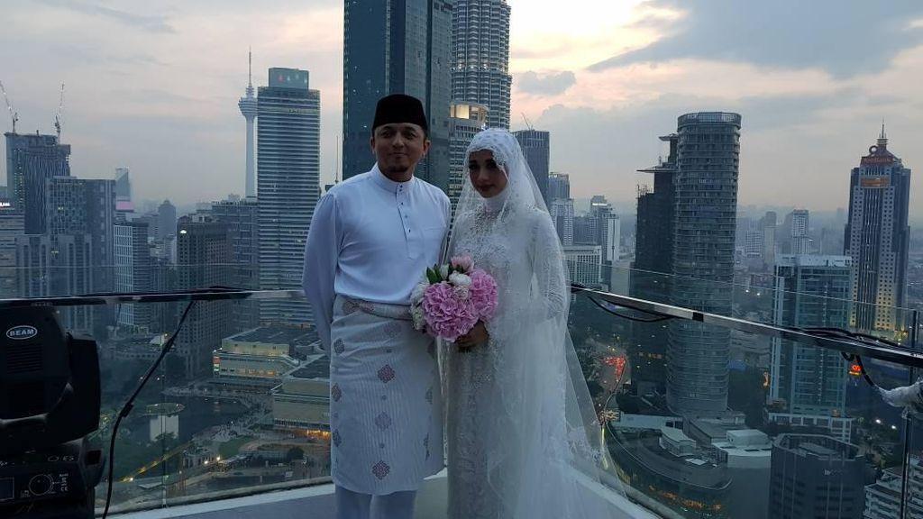 Sah Jadi Istri Engku Emran, Laudya Cynthia Bella Pamer Cincin Nikah