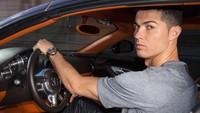 Diisukan Cabut dari Juventus, Ronaldo Bawa Pulang 7 Mobil Mahal ke Portugal