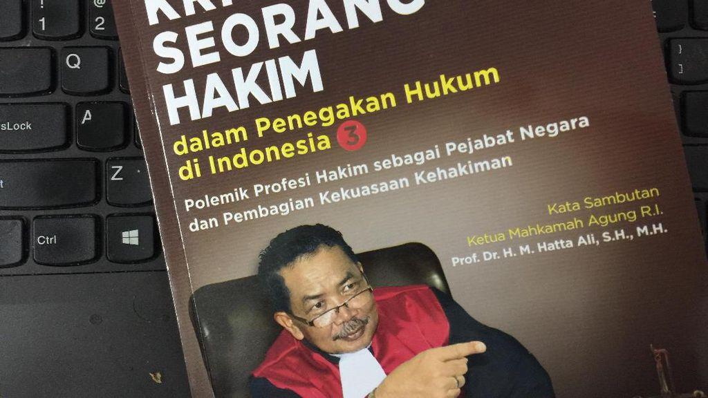 Aliansi LSM Minta Buku Hakim Binsar tentang Tes Keperawanan Direvisi