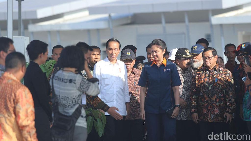 Foto: Jokowi Resmikan Tol Jombang - Mojokerto