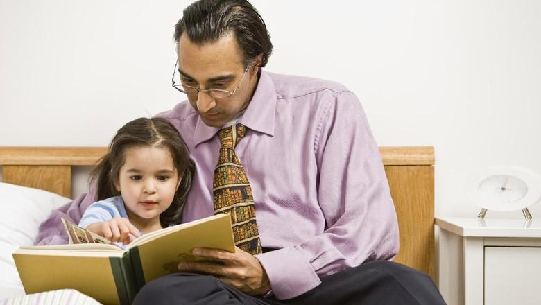 Ilustrasi anak baca buku/ Foto: Thinkstock
