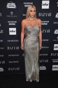 Pakai Legging Transparan, Tampilan Paling Berani Kim Kardashian Pasca Kerampokan