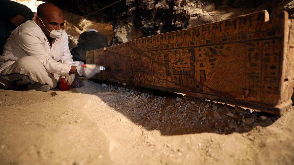 Keju, Wine hingga Sup Tulang Ditemukan Dalam Makam Kuno