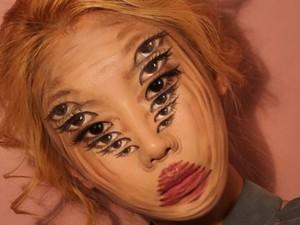Hanya Pakai Makeup, Wanita Ini Ciptakan Ilusi yang Bikin Kamu Tercengang