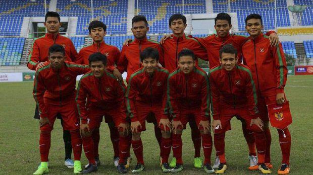 Timnas Indonesia U-19 berpeluang lolos ke semifinal sebagai juara Grup B.