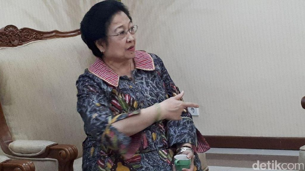 Cerita Megawati Tetap Jadi Ketum Partai Meski Sudah Nenek-nenek