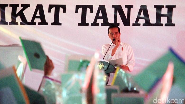 Asyik! Jokowi Bagi-bagi Sertifikat Tanah