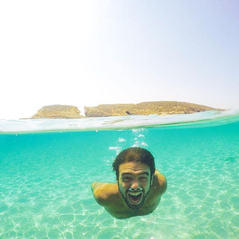 Adalah Calvin Young, seorang traveler yang juga travel blogger asal Texas, Amerika Serikat (Instagram/seektheworld_)