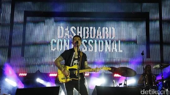 Dashboard Confessional Sukses Panaskan Panggung Soundrenaline 2017