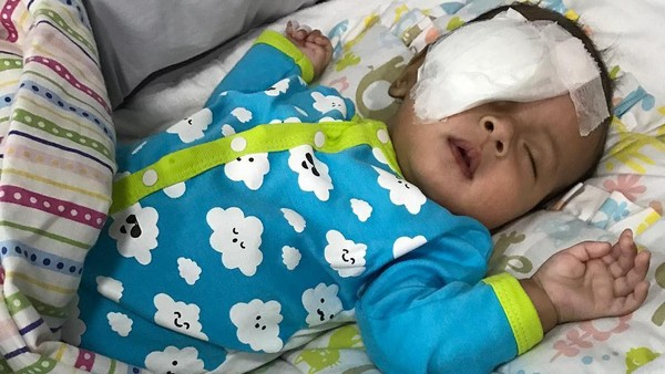 Asri Welas Baru Tahu Bayinya Kena Katarak saat Usia Tiga Bulan