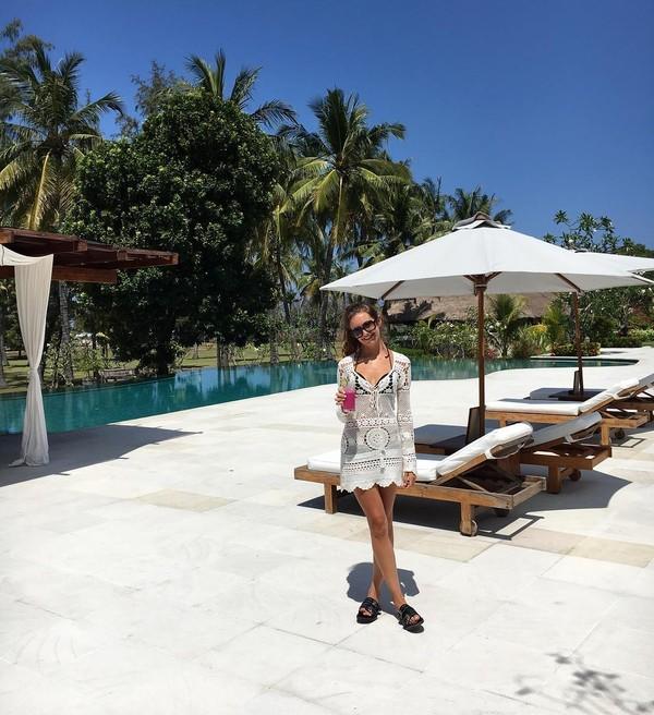 Selain ke Bali, Bridie juga sempat mampir ke Gili Trawangan. Ia bahkan menginap di Pondok Santi yang biayanya mencapai 2 jutaan per malam (@bridiewilkins/Instagram)