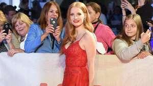 Merah Mempesona Jessica Chastain