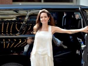 Angelina Jolie Makin Kurus, Ini Risiko Kesehatan yang Mengancam